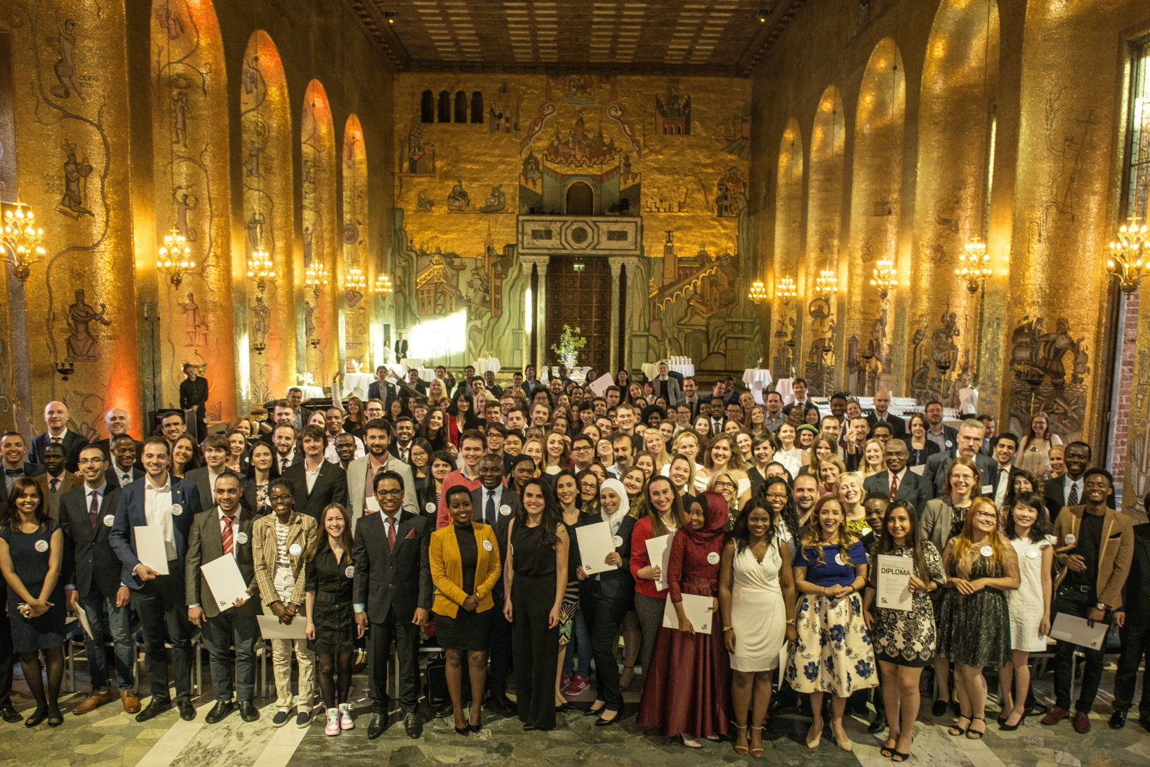 SI scholarship holders at the SI Diploma Ceremony 2017